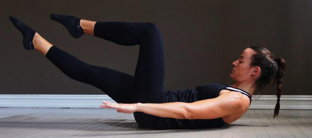 Pilates trening på matte